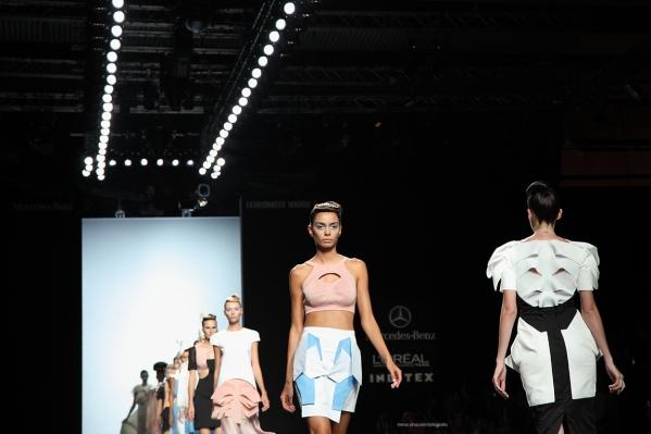 Edición Septiembre 2014 de Mercedes-Benz Fashion Week Madrid. Desfile LEYRE VALIENTE. Fotografía de INMA CHACÓN