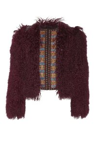 Abrigo de pelo, de Etro color marsala (3.350 €).